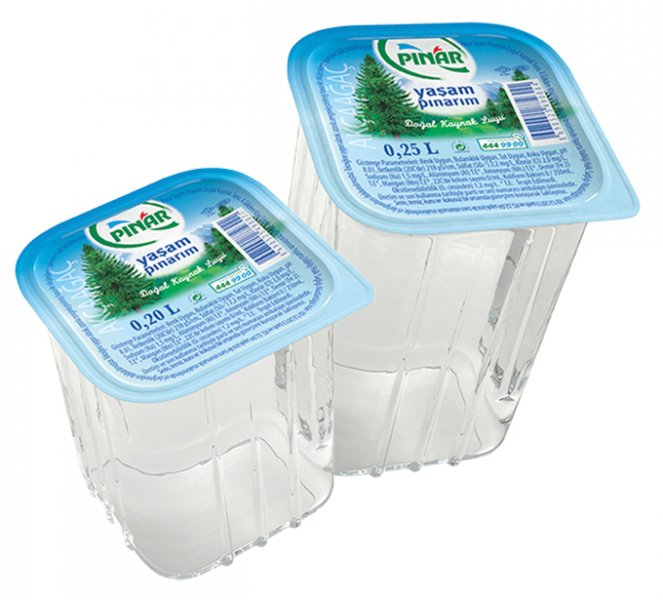 Pınar Su'dan Yeni Bardak Su...           1984 yılında Türkiye'nin ilk ambalajlı suyunu tüketicilerle buluşturarak önemli bir inovasyona imza atan Pınar Su, ürün portföyünü Pınar Yaşam Pınarım Bardak Su ile genişletiyor.